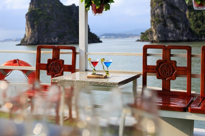 Halong Bay Cruise 2D/1N sleep on boutique cruise-FULL activities