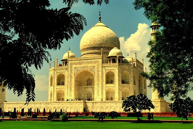 Same Day Taj Mahal Tour by Gaiman Express Train