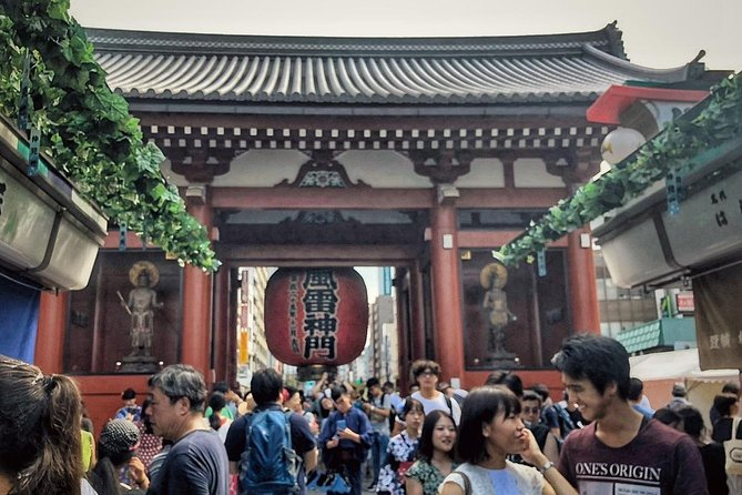 Asakusa walking tour with practical information about Japanese manners photo 1