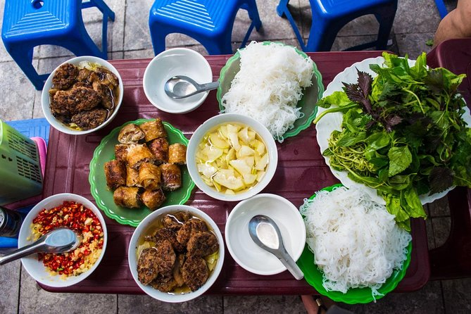 Small Group Hanoi Street Food Tour with a Real Foodie