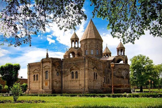PRIVATE Guided tour to Etchmiadzin, Zvartnots and Khor Virap