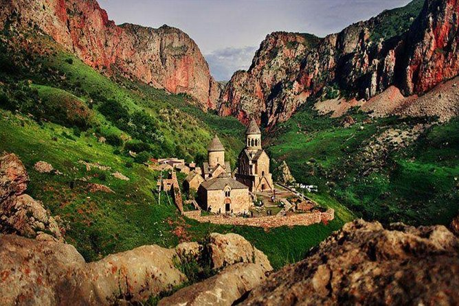 PRIVATE Guided tour to Khor Virap, Areni winery, Birds cave & Noravank
