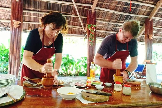 Guided Tour to Tra Que Vegetable Farming, Cooking Class & Herbal Foot Massage