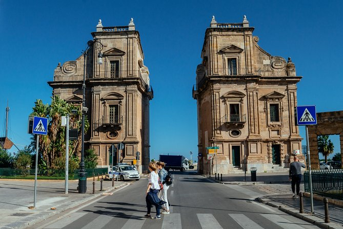 Highlights & Hidden Gems With Locals: Best of Palermo Private Tour