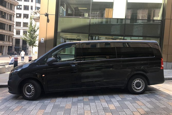 Private transfer from Charles de Gaulle or Orly airport to Disneyland or back