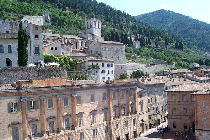 Private Transfer: Fiumicino Airport (FCO) to Gubbio or vice versa