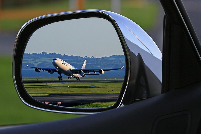 Private Airport Round-Trip Transfer: London City Airport to London Hotel Including Return Trip photo 9