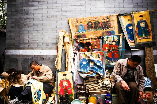 Layover Private Tour for Local and Modern Beijing Shopping Experience