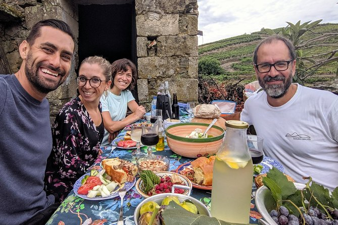 Pinhão Valley Hike & Picnic