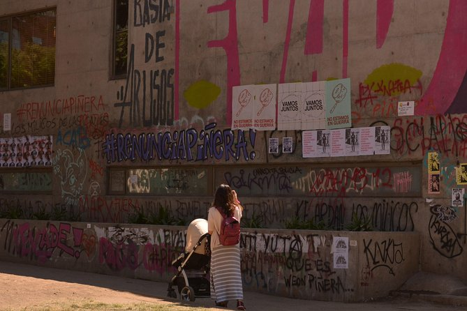 ConflicTour - This is Happening in Chile - Social Movements, Fights & Revolution photo 2