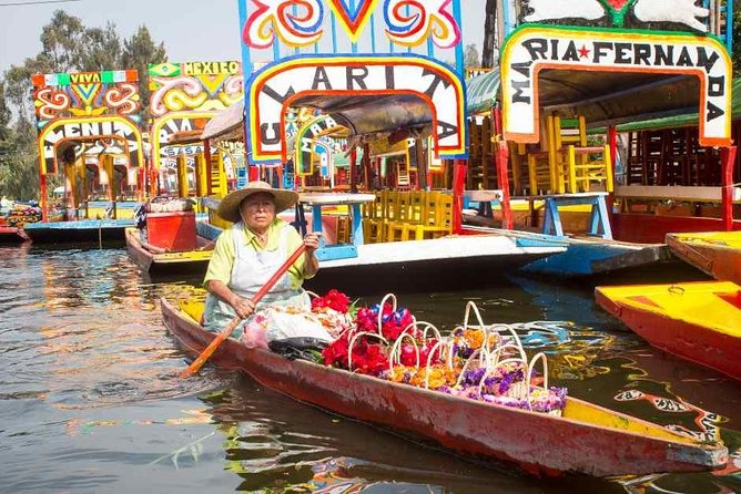 Incredible tour to Coyoacán and Xochimilco (The cheapest)