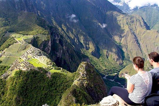 Tour Machu Picchu Including Huaynapicchu Mountain in 2 Days From Cusco