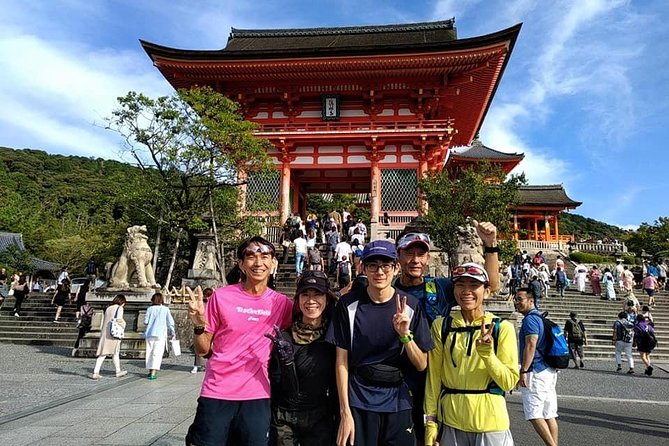 Running to Kyoto's attractive tourist spots like Kamo river, Kiyomizu Temple, Nanzenji Temple, Philosopher's Walk in Kyoto.Let's make a slow jogging with a professional guide.Running experience in the old capital must forge an unforgettably impressive memory for you.