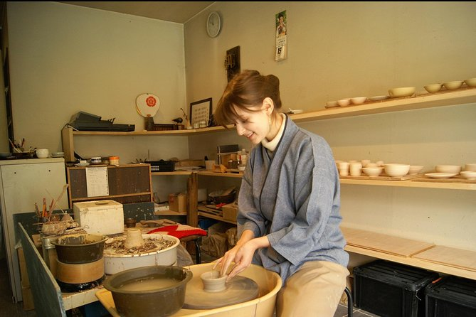 Mansagama-pottery wheel experience- photo 1