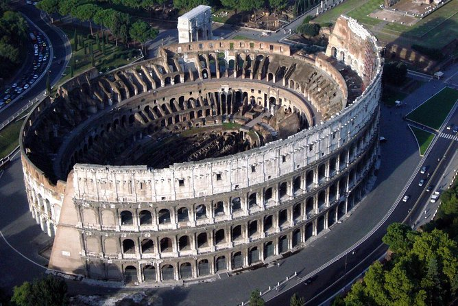 Rome: Colosseum Skip-The-Line Entrance with audioguide