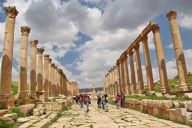 Transfer from Amman to Jerash and back to Amman at the same day