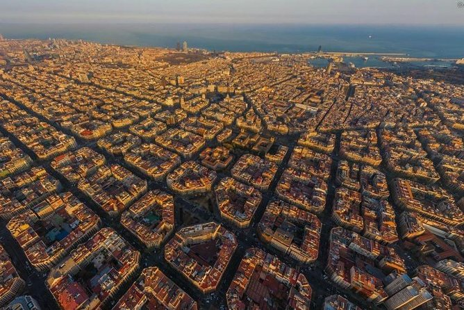 Whimsical Tour in Barcelona: Gaudi and main architects of Modernisme style