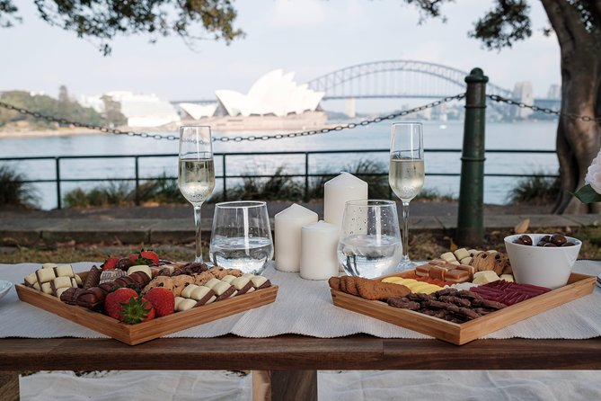Couples Deluxe Picnic - Mrs Macquaries Chair (Sydney)