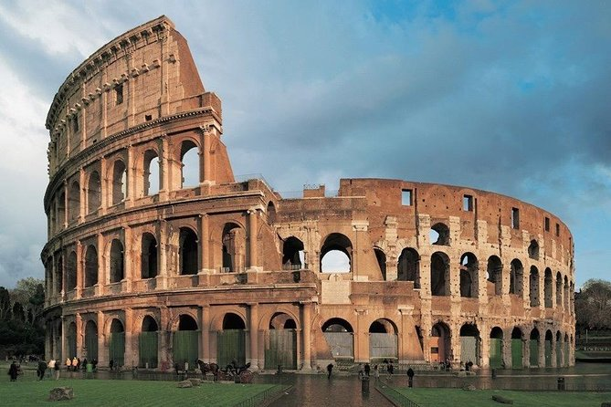 Rome: Colosseum Skip-The-Line Entrance with outside ANECDOTES