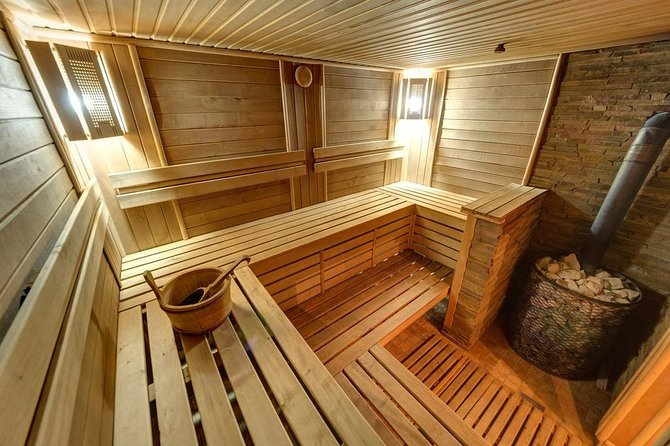 Russian sauna (banya) experience photo 3