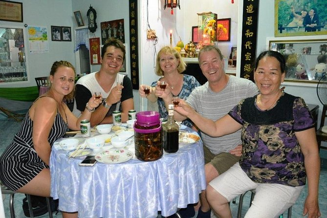 Local street food tour in Hoi An