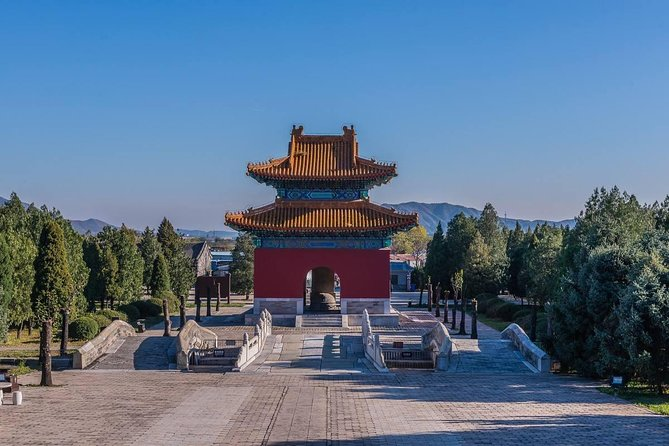 Mutianyu Great Wall and Ming Tomb Self-Guide Trip With English Speaking Driver