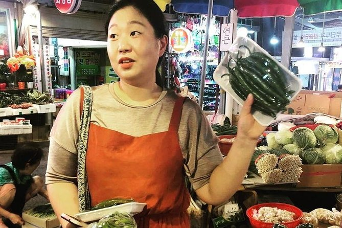 Traditional Korean cooking class and market visit in Seoul