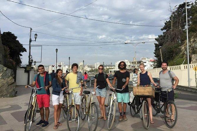 Tour by Viña and Valpo on a Dutch bike