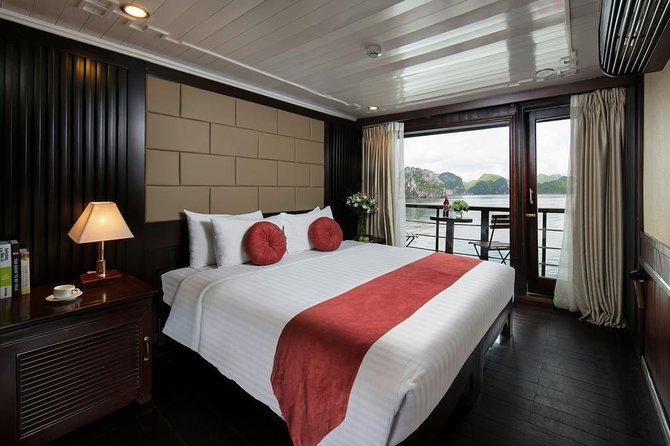 All-Inclusive: Halong Bay 2 Days - 4 STAR CRUISES: Meals, Kayak, Cave, Island