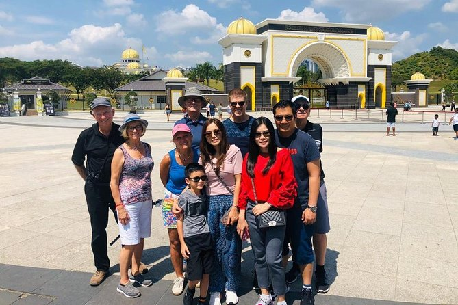 15 Attractions Guided Half-day Amazing Kuala Lumpur City Tour (3.5hrs)