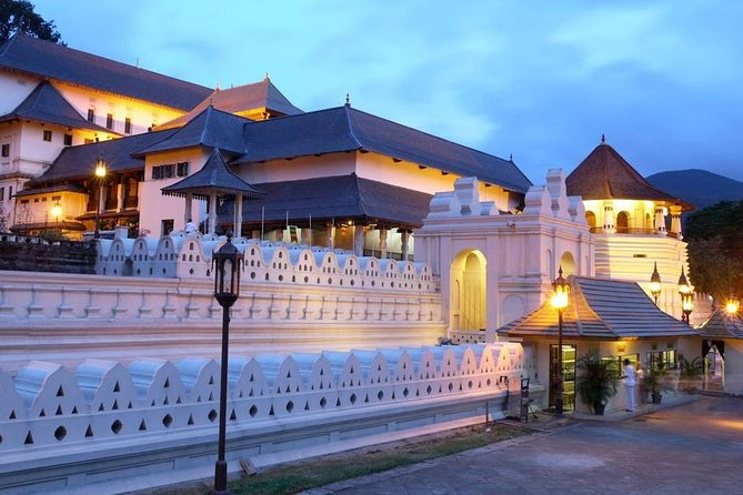 Two days tour to Kandy and Sigiriya from Colombo