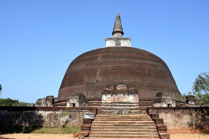 2 Days Tour to Polonnaruwa and Sigiriya from Colombo