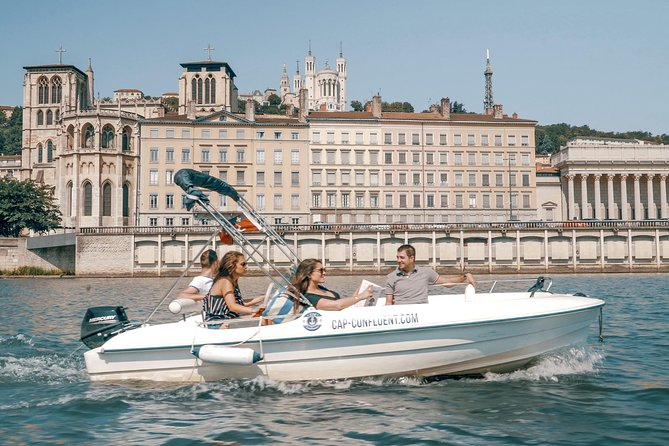 Rental of a boat without license 10 places 3 hours