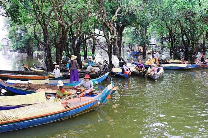 Private Kampong Phluk Village boat trip