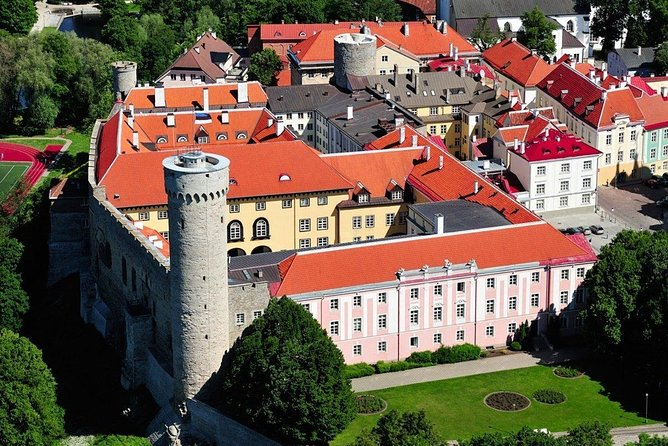 Private Panoramic Tour of Tallinn