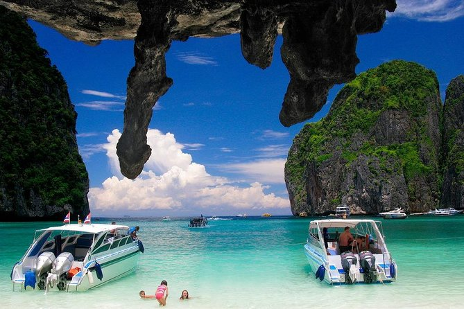 Phi Phi island Happy Day Tour By Speedboat
