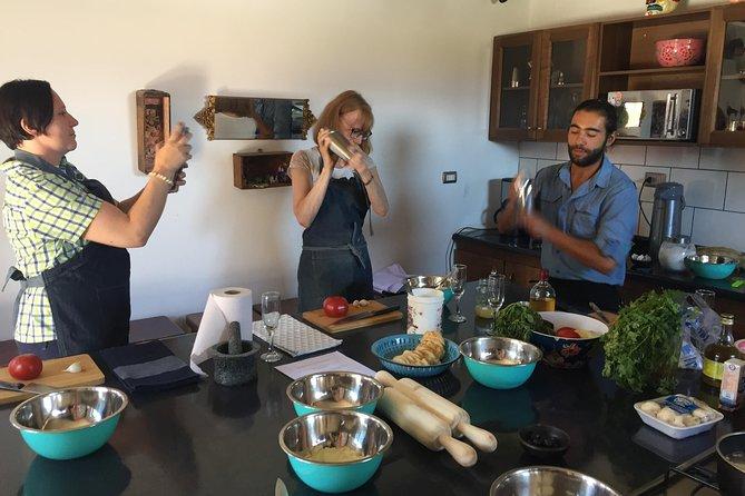 Faça uma estimulante oficina de culinária e prepare uma autêntica refeição chilena.