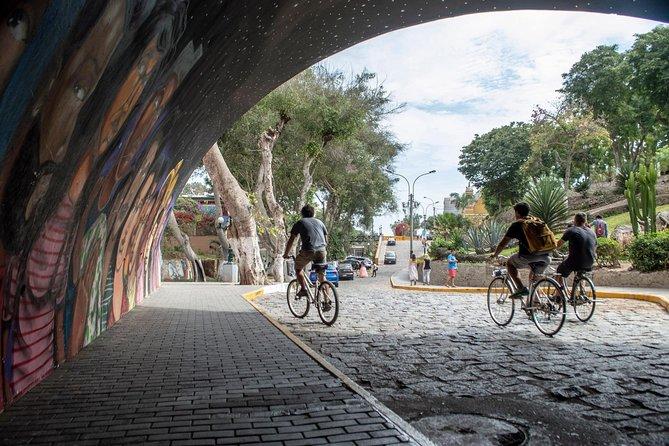 3 Hour Great Miraflores & Barranco Bike Tour