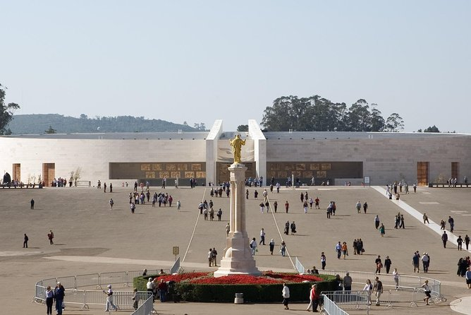 From Porto: Fátima and Coimbra Private Tour Full Day With Lunch