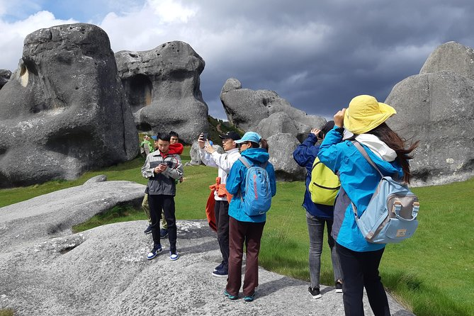 Cave Stream & Castle Hill/Kura Tawhiti guided tour from Christchurch