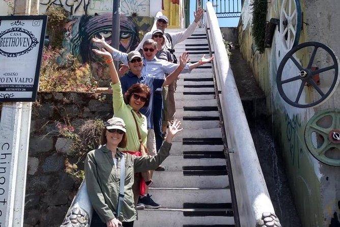 Shore Excursion: Valpo in 1 day! Semi-private walking tour & public transport