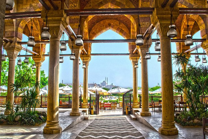 Private tour to Al-Azhar Park with traditional lunch