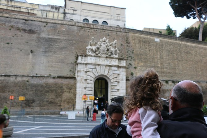 Skip the Line Vatican Tour with Local Trastevere Food Tour Combo