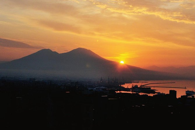 Visit half day to MT Vesuvius (4hr)