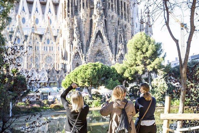 Private Sagrada Familia Tour with Admission Tickets