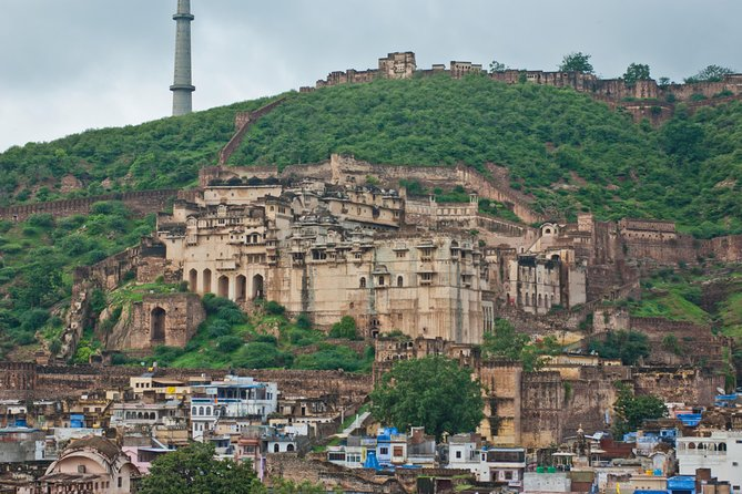 2 Days Bundi Privete Tour from Jaipur with Pottery and Crafts (Theekarda)Village