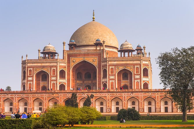 Private Full Day Customized Tour of Delhi (by car and with personal guide)