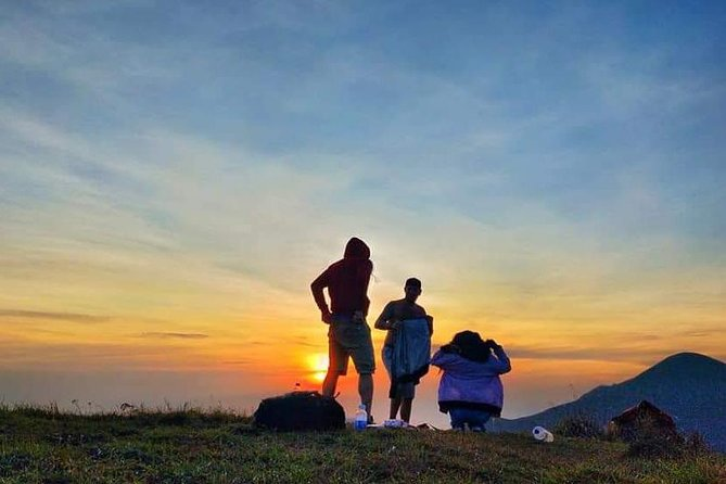 Pergasingan hill sunrise trip start from Sembalun Village 5 hours hiking tour
