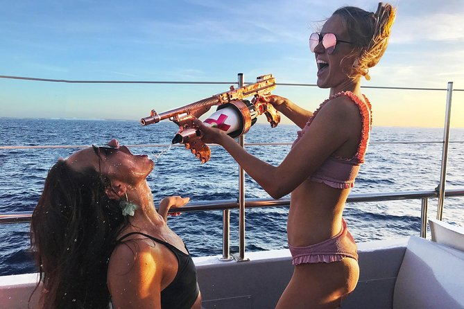Cirque de la Nuit Ibiza sunset boat party incl. open bar and club tickets