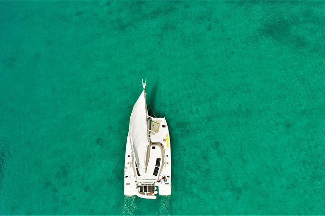 Private Half-Day Sail and Snorkel from Bequia